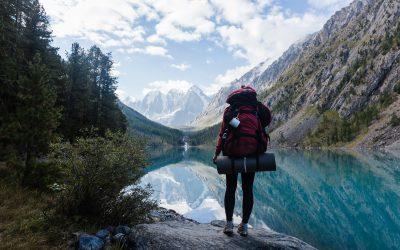 Cómo ajustar correctamente la mochila de montaña